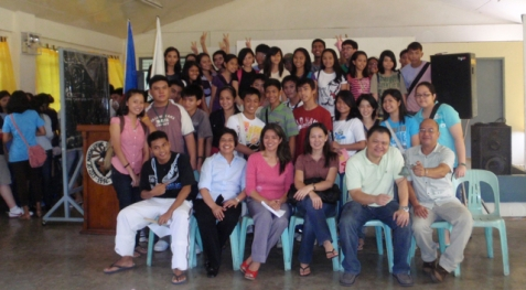 group pic w/ kampanerang tess of earthwards phils.